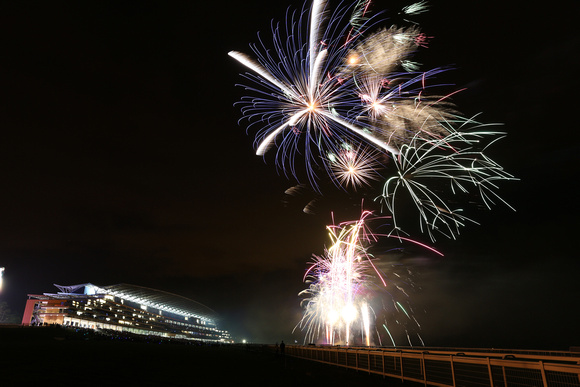 Ascot Racecouse_Fireworks_2012_4