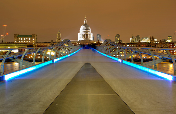 Millennium Bridge to St Pauls